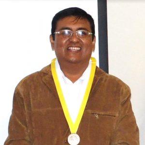 Dr. Carlos Choque Mariño